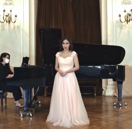 Pilar Garrido, soprano!